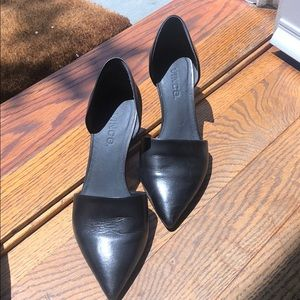 Vince black pointed toe size 35